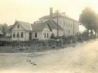 patrová budova školy na místě pivovaru